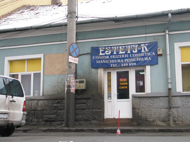 Salonul Esteti-k, total inestetic