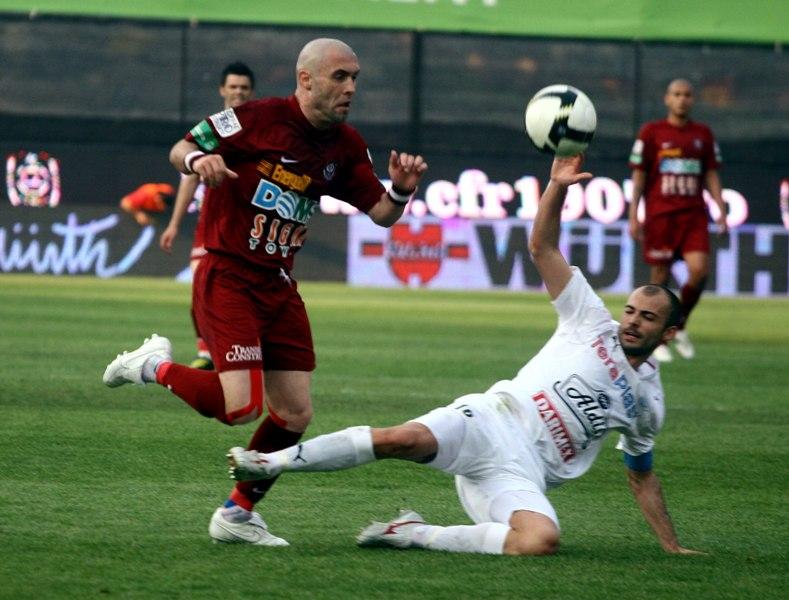 Alb-vişinii încă urmăresc păstrarea Cupei României în palmares deşi depăşesc un moment dificil în clasament