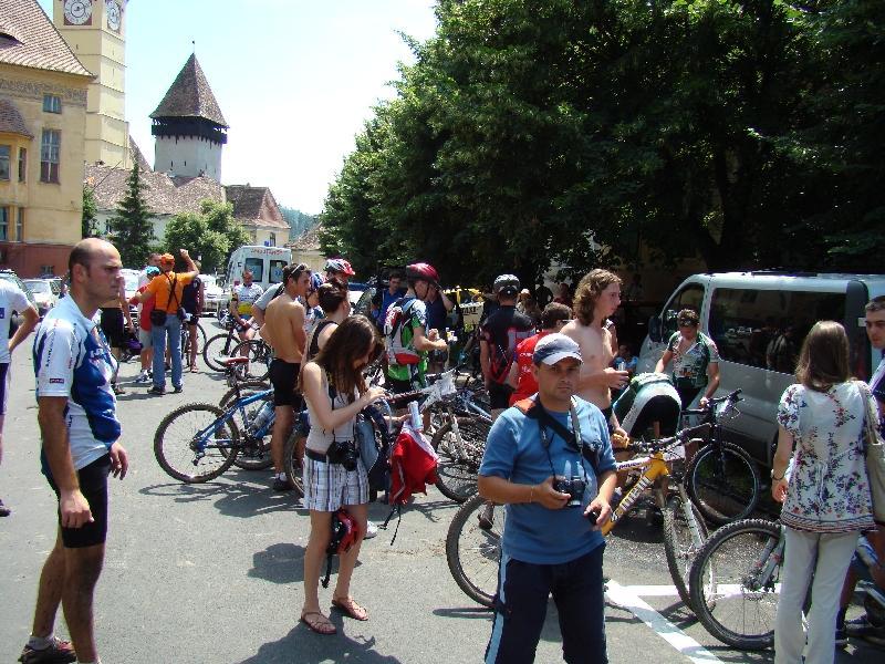 """Pasionaţii de cicloturism s-au aliniat astăzi la start pentru expediţia """"Danubius 2009"""""""