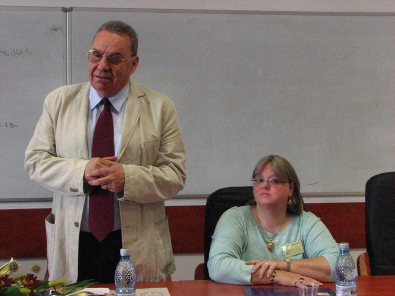 """În această dimineaţă a avut loc deschiderea conferinţei internaţionale Interdisciplinary New Media Studies, organizată de Departamentul de Jurnalism din cadrul Facultăţii de Ştiinţe Politice, Administrative şi ale Comunicării a Universității """"Babeş-Bolyai"""""""