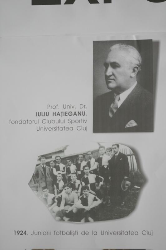 """Sala Sporturilor """"Horia Demian"""" a găzduit astăzi,  deschiderea oficială a expoziţiei în imagini cu momentele de succes din istoria Universităţii, surprinse de-a lungul anilor de suporterii clubului"""