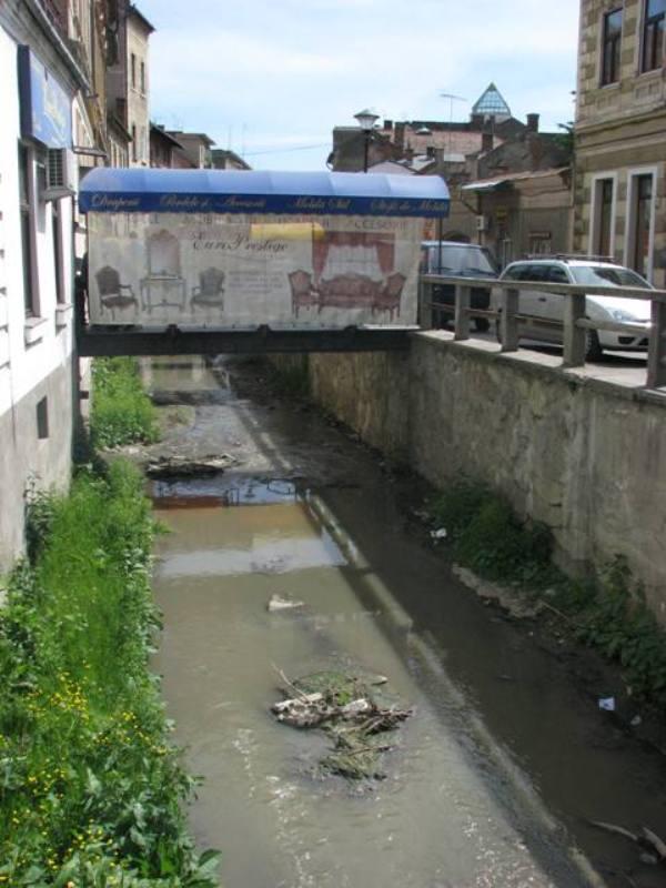 Canalul Morii, situat între strada Regele Ferdinand şi Piaţa Mihai Viteazul, va deveni zonă de promenadă, aici putând fi amplasate ulterior şi terase