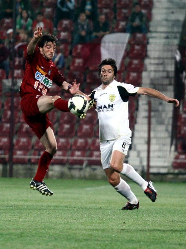 CFR Cluj obţine victoria în derby-ul cu F.C. Braşov cu un rezultat final de 2-0