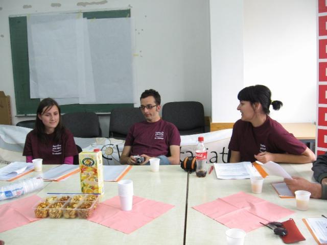 : Săptămâna Națională a Voluntariatului a continuat și astăzi la Cluj,  principalul subiect de dezbatere fiind legea voluntariatului