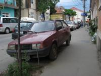 automobile-parasite in Cluj. Aceasta masina se afla pe strada Traian Mosoiu nr. 37