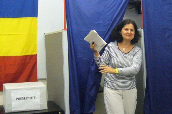 Noua Zeelandă- Primul cetăţean român a votat la secţia de vot nr. 289