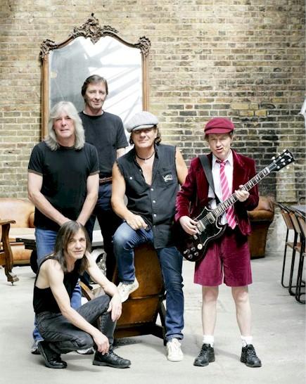 Cunoscuta trupă australiană AC/DC va concerta în Piaţa Constitutiei din Bucureşti, în data de 16 mai 2010