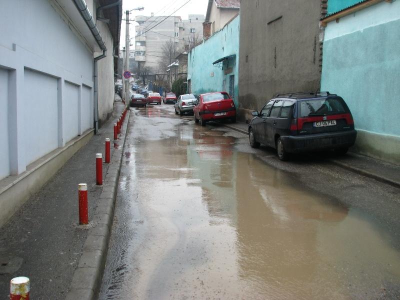 Strada Nicolae Titulescu a fost inundată