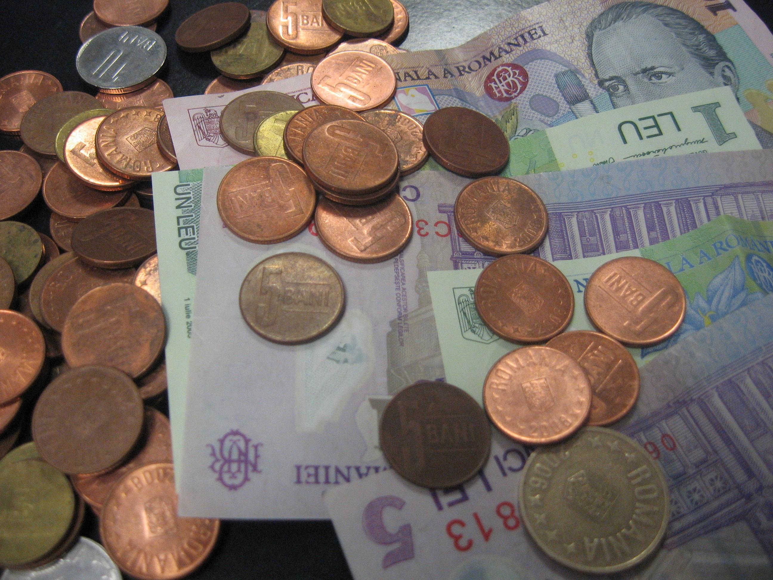dobânda de politică monetară scade