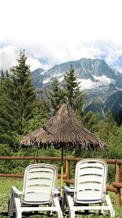 Se suspendă depunerea de proiecte pentru finanţarea serviciilor turistice prin fonduri europene