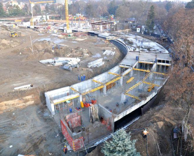 Au fost reluate lucrările la noul stadion