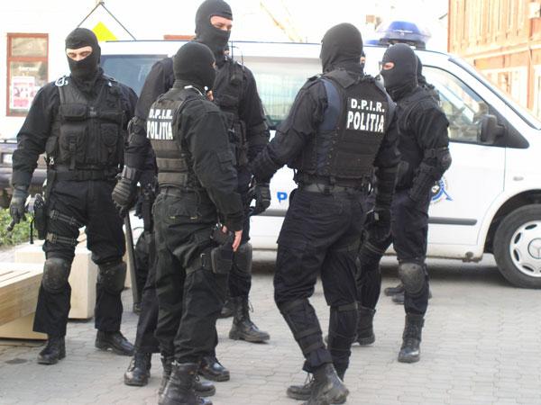 perchezitii-in-botosani-si-suceava-la-suspecti-de-evaziune-fiscala-98035-1 (1)