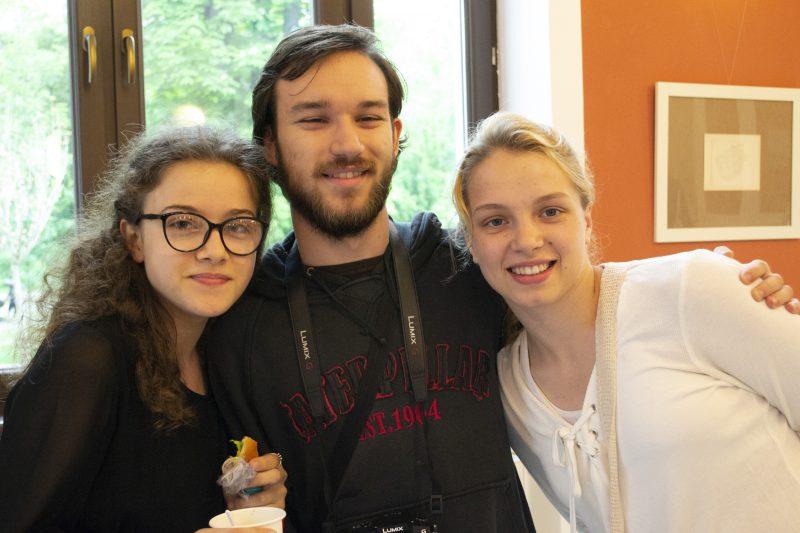Tovarăși de călătorie și prieteni - Augusta Cuc, Răzvan Liță, Diana Șinteuan (de la dreapta la stânga)