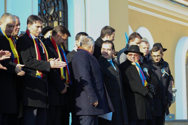 Aleșii locali, în prezența liderului PNL, Ludovic Orban, în așteptarea deschiderii ceremoniei